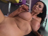 Smoking hot Nikki Benz body tease