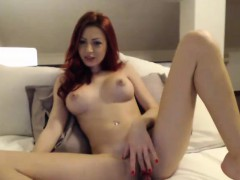 Great Tit Redhead MILF Pussy Play on Webcam