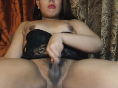 Beautiful tranny shows how to be charming and wild