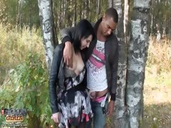 Nasty pick up girl goes for outdoor sex