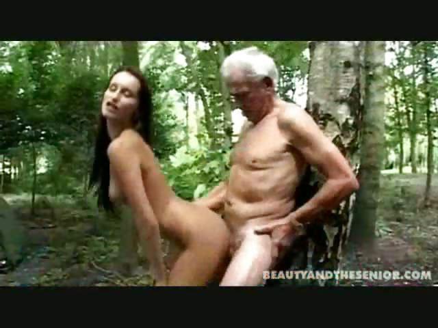 Художественные порно клипы в лесу