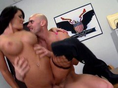 Brazzers - Baby Got Boobs - Airport Secur-Ti