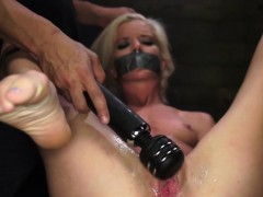 Skinny Halle Von Picked Up And Fucked