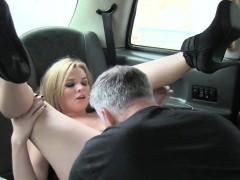 Huge natural tits blonde fucks in cab