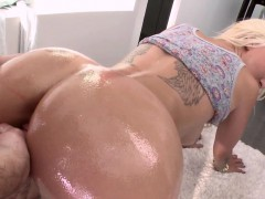Big butt blonde railed
