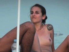 hot sexy college girl beach voyeur jiggly ass voyeur hunter