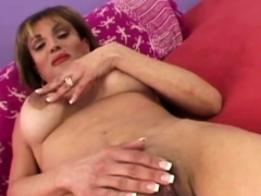 Experienced Gilf Upgrading Her Hole With A Fat Young Wiener